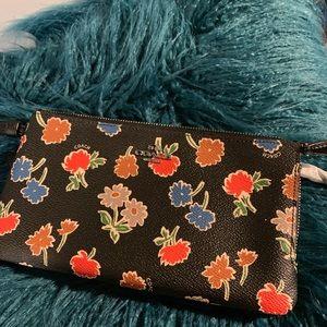Double zip wallet /wristlet in Daisy field print